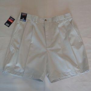 Roundtree & Yorke ELASTIC WAIST Pleated Shorts
